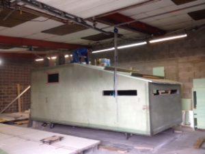 Fabrication-toit-hutte-de-chasse.JPG