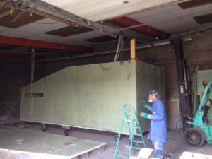 construction-hutte-de-chasse-en-resine.JPG